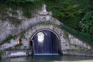 800px-Percée_de_Thoraise_sur_le_canal_du_Rhone_au_Rhin_DSC_0536