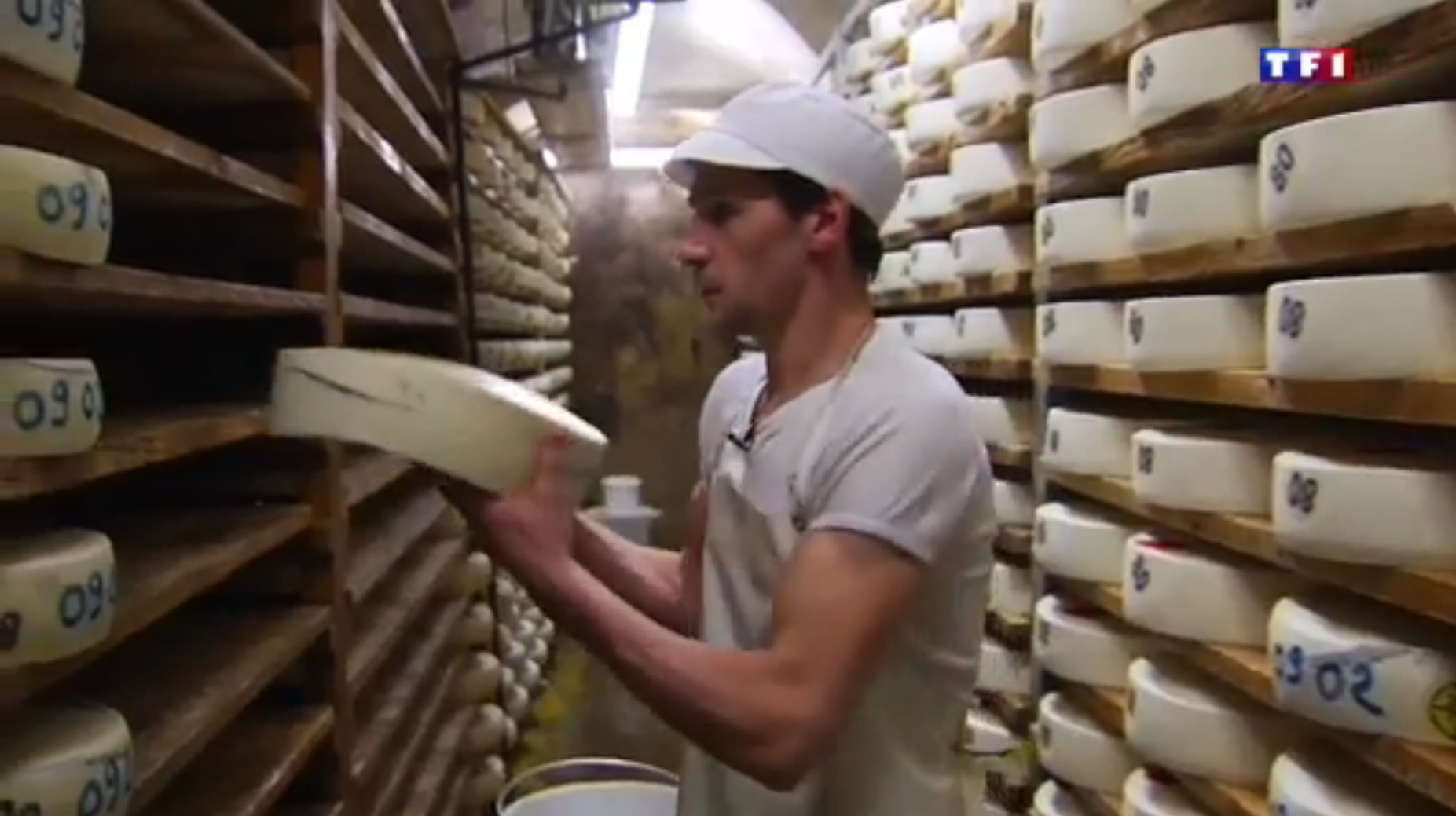 TF1 Jura (2-5) - une famille de fromagers  24