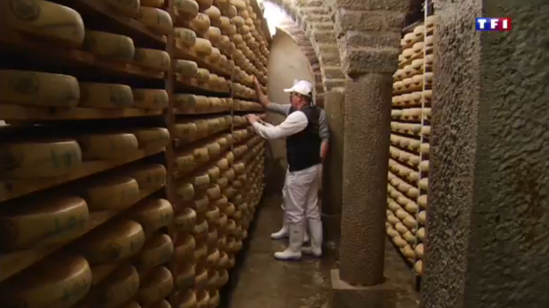 TF1 Jura (2-5) - une famille de fromagers  36