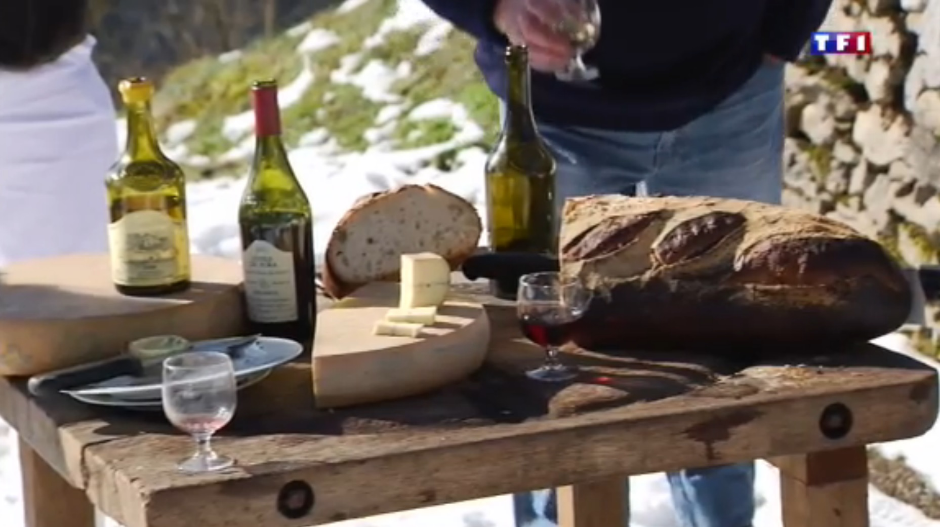 TF1 Jura (2-5) - une famille de fromagers  53