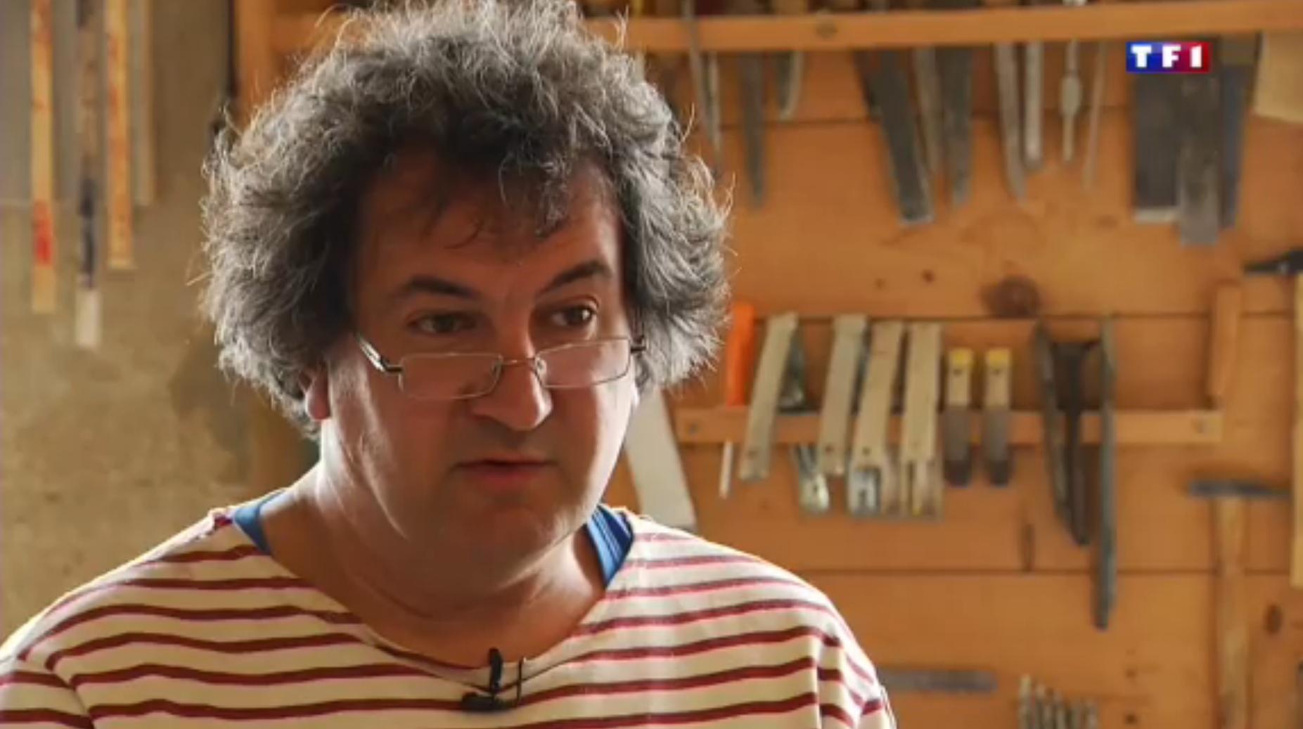 TF1  Jura (4-5) les layettes, l'art de tailler le bois d'épicéa 25