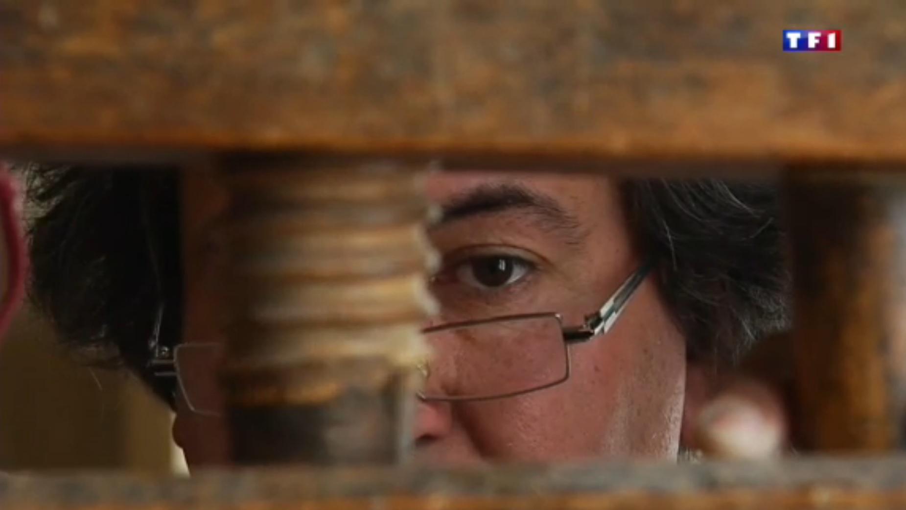TF1  Jura (4-5) les layettes, l'art de tailler le bois d'épicéa 33