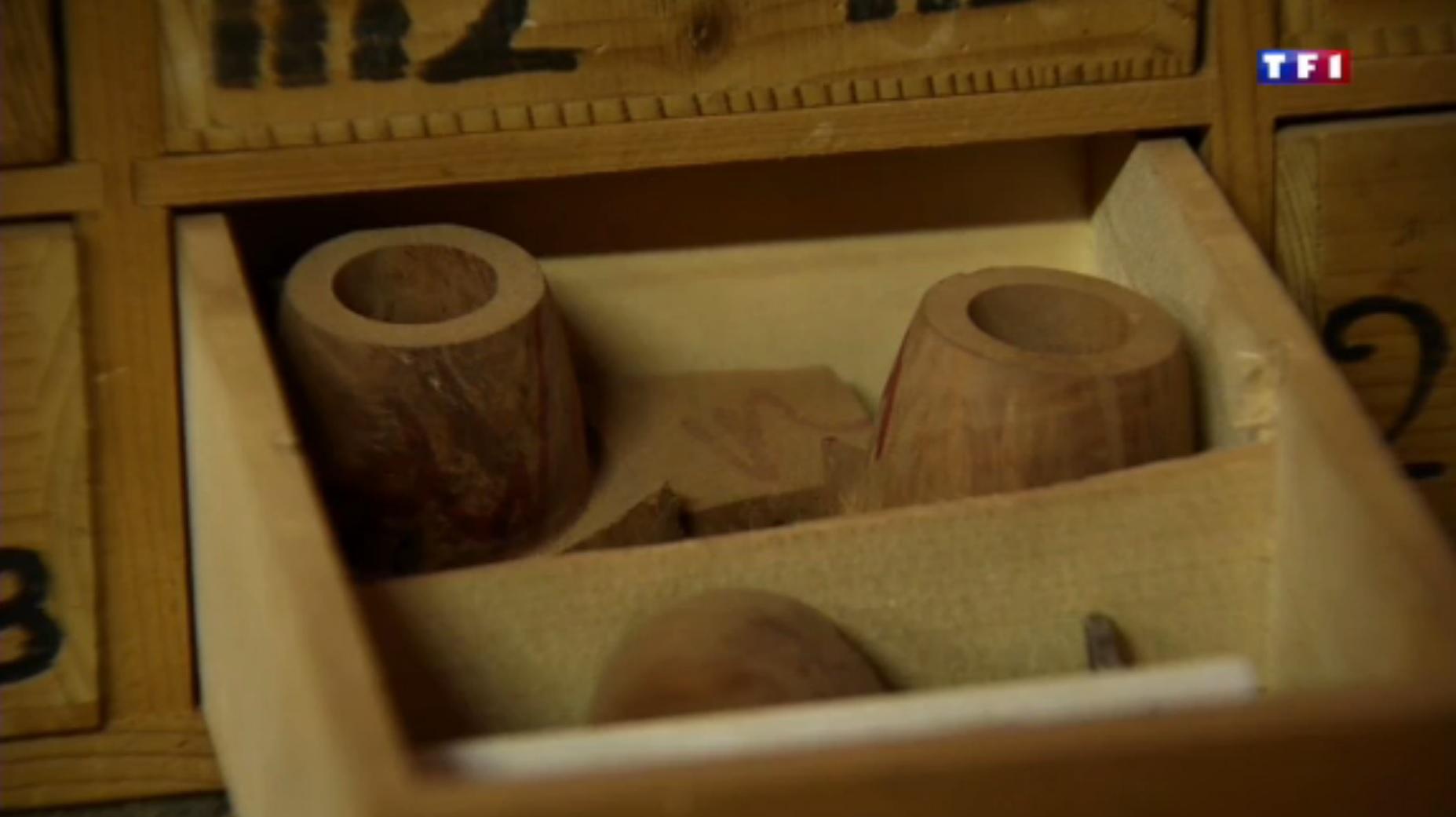 TF1  Jura (4-5) les layettes, l'art de tailler le bois d'épicéa 58