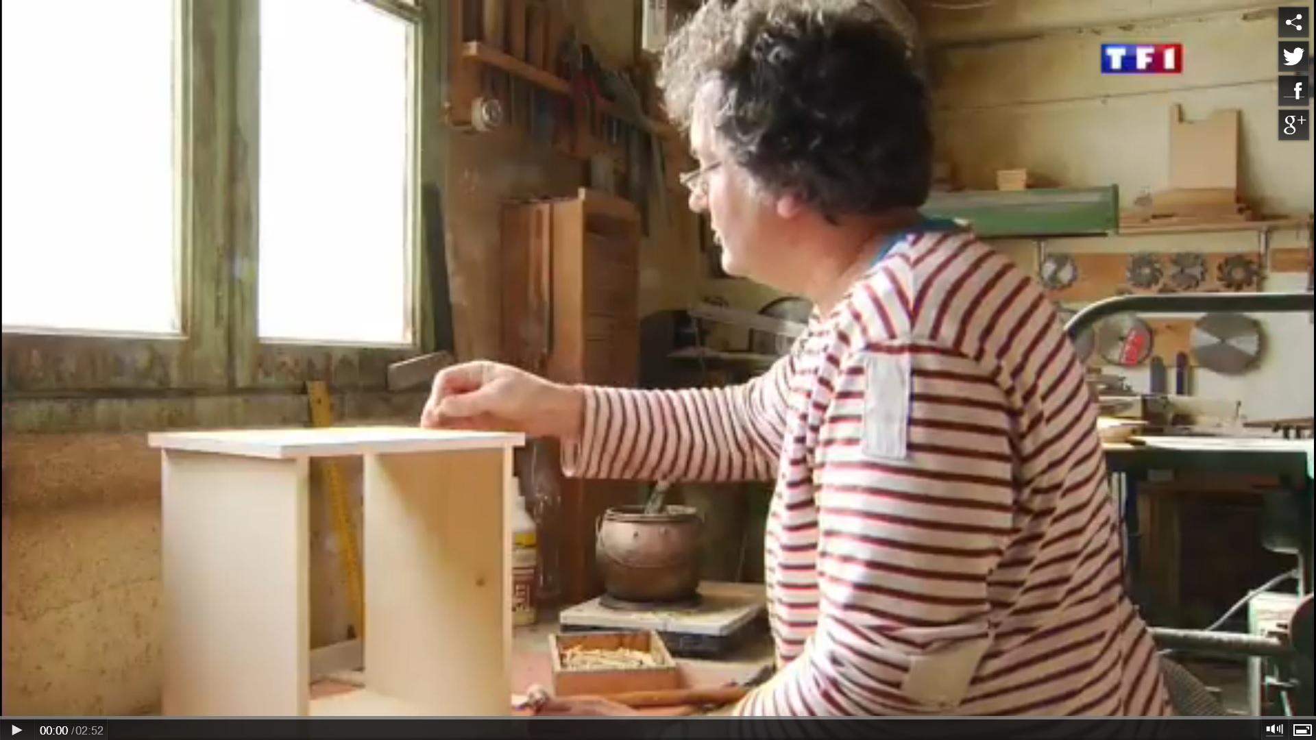 TF1  Jura (4-5) les layettes, l'art de tailler le bois d'épicéa 6
