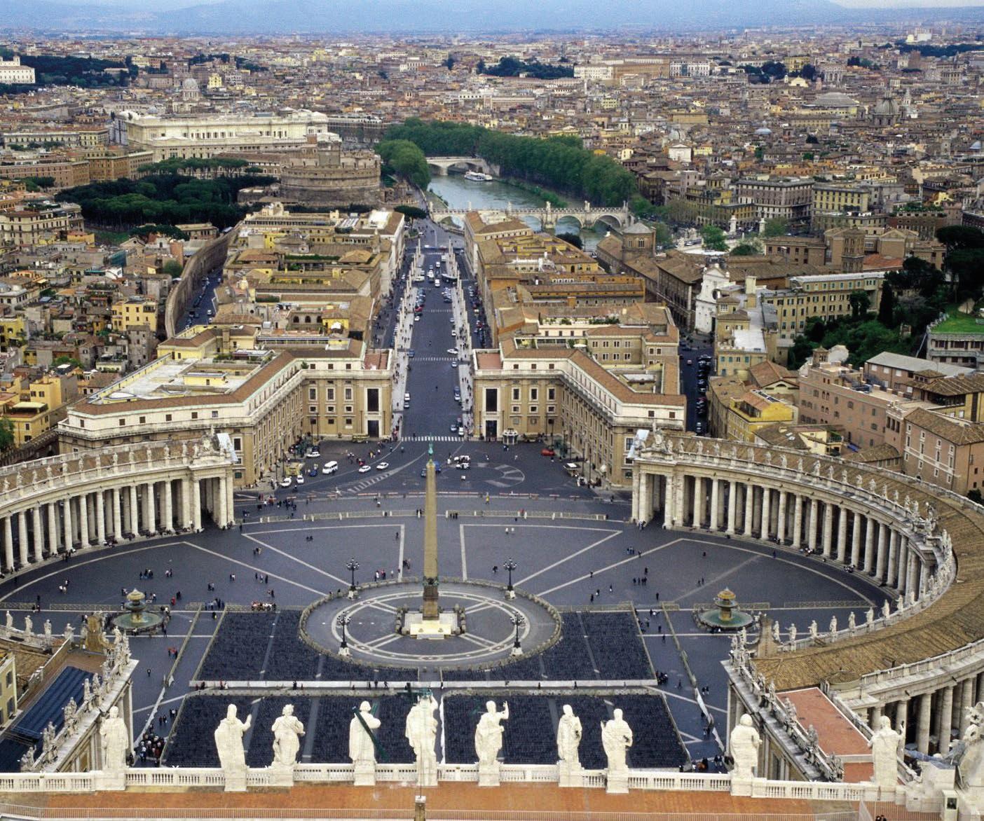 Place Saint Pierre de Rome - Le Jura Francais N 322 image de couverture